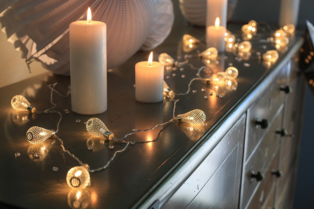 guirlandes lumineuses bulbes argent pile mariage. Black Bedroom Furniture Sets. Home Design Ideas